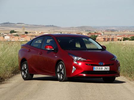 Probamos el nuevo Toyota Prius 2016, el híbrido más eficiente de la historia