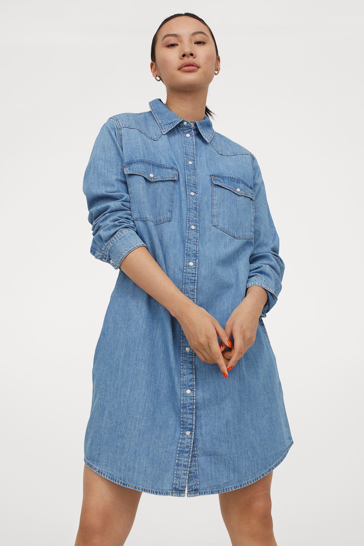 Vestido camisero corto en denim de algodón lavado