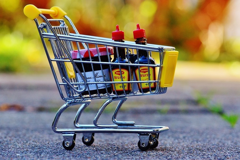 Seis de los mejores expertos en nutrición nos cuentan lo que nunca meterían en tu cesta de la compra si quieres bajar de peso