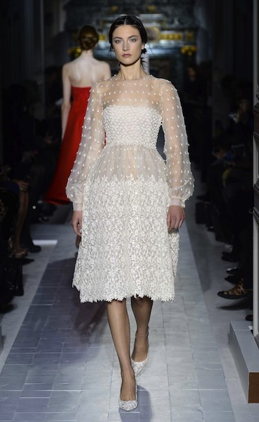 Valentino Alta Costura Primavera-Verano 2013: austeridad romántica