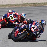 """Álvaro Bautista avisa a Toprak Razgatlioglu de lo que le esperaría en MotoGP: """"Nuestros neumáticos permiten más"""""""