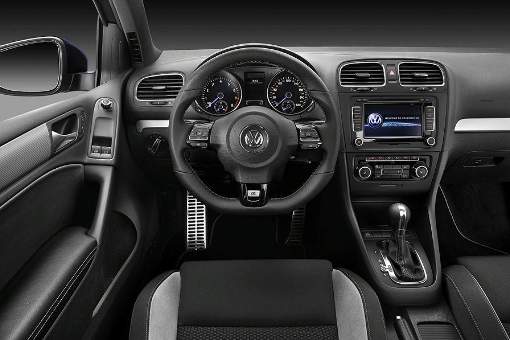 Foto de Volkswagen Golf R (15/16)