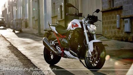 Motorpasión a dos ruedas: los tests de Sepang de MotoGP y la prueba de la BMW R 1200 R