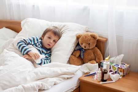 ¿Sabes cuando los médicos dicen que hay que hacer el ciclo completo de antibióticos? Podría ser un error