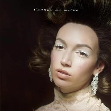 """Los lookazos de Ursula Corberó son lo mejor del nuevo vídeo de C. Tangana, """"Cuando me miras"""""""