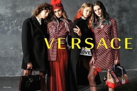 El pelo de Gigi Hadid le roba la atención a la nueva colección de Versace