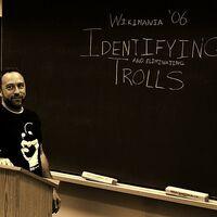 El fenómeno online de los trolls que se identifican a sí mismos como trolls y la droga más asquerosa del mundo