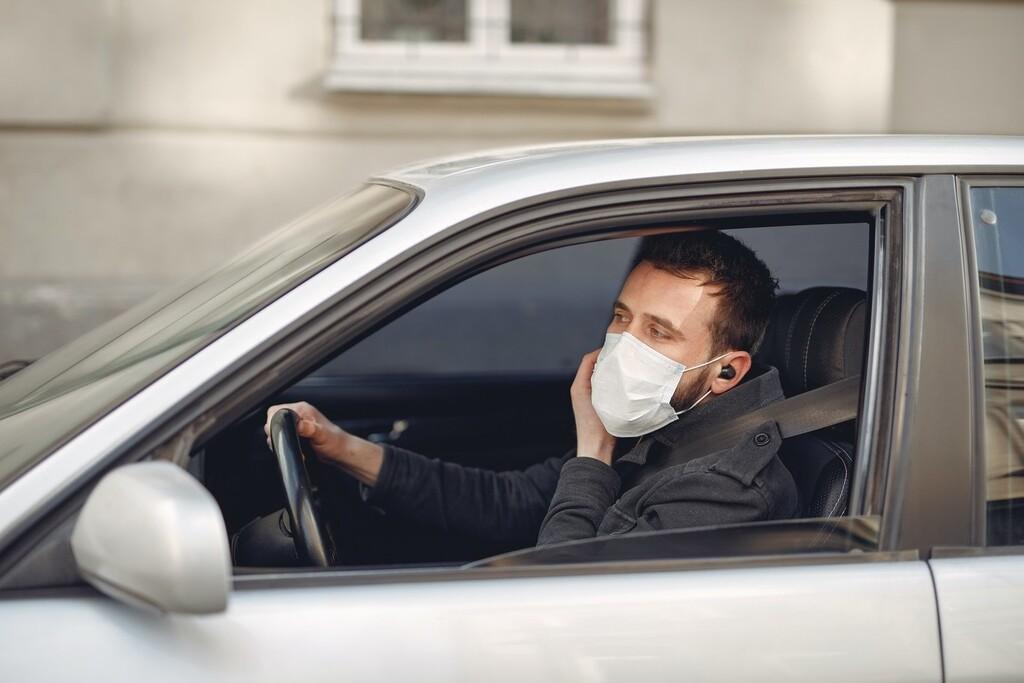 La venta de coches de segunda mano (muy) antiguos se dispara por la pandemia, ante el miedo a los espacios compartidos
