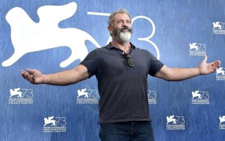 Mel Gibson cree que 'La Pasión de Cristo' es la película de superhéroes definitiva y ataca a 'Batman v Superman'