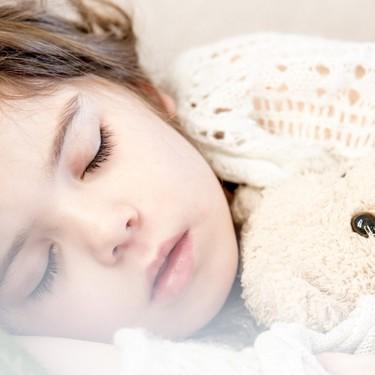 Melatonina para mejorar el sueño en niños: se vende sin receta, pero no hay que darla sin prescripción médica
