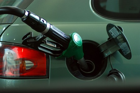 Israel prohibirá la venta de vehículos a gasolina y diesel para 2030