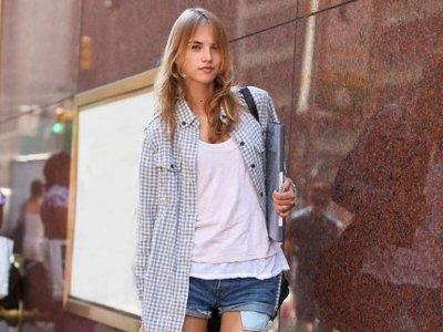Anabela Belikova, continua su progresión sobre las pasarelas