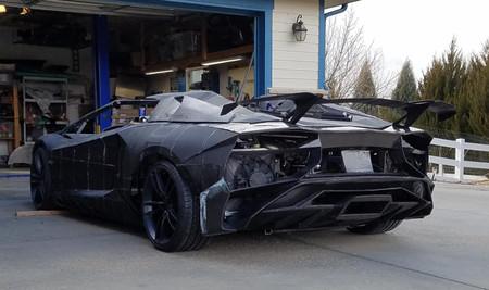 Un padre y un hijo están construyendo una réplica de un Lamborghini Aventador... ¡con una impresora 3D!