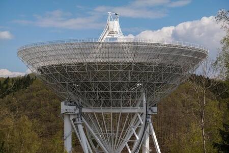 Si una civilización tecnológica extraterrestre oyera alguna transmisión terrestre, recibiríamos respuesta 2.000 años después