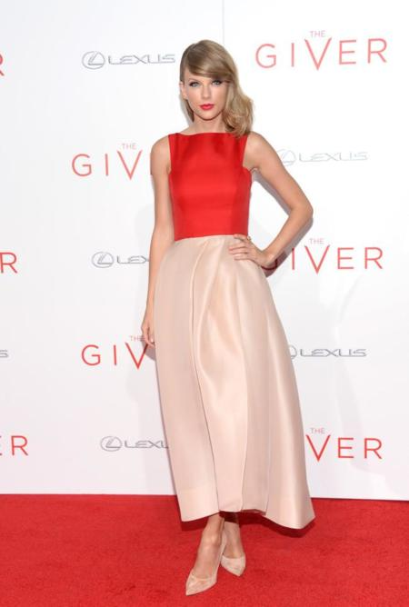 Taylor Swift de Monique Lhuillier