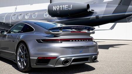 Porsche 911 Turbo S Jet Embraer 2