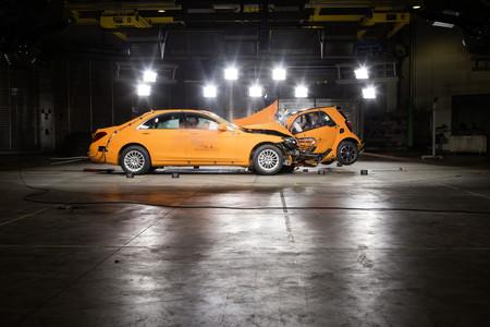Un auto más grande no es más (ni menos) seguro, y te explicamos por qué
