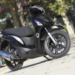 Foto 39 de 53 de la galería mx-motor-c5-125-primer-scooter-de-rueda-alta-de-la-marca-espanola en Motorpasion Moto