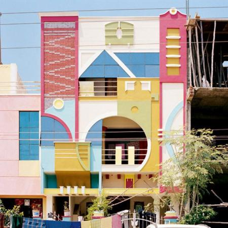Bellas casas de colores al sur de la India