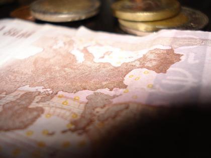 Sobre billetes y monedas
