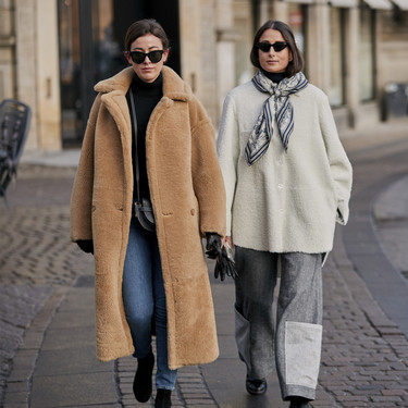 Las chaquetas y abrigos de borreguito te salvarán del frío este otoño-invierno, palabra de Instagram