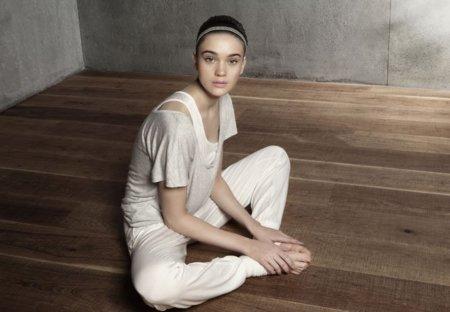 oysho_gymwear-collection-adidas-for-oysho-special-footwear-collection-15.jpg
