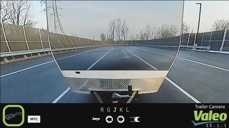 Valeo ha encontrado la solución para la mala visibilidad de remolques y caravanas: volverlos 'invisibles'