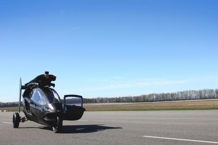 ¿Es un triciclo?, ¿es un autogiro? No, es el PAL-V
