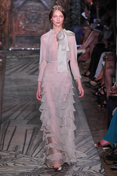 Foto de Todas las imágenes de Valentino Alta Costura Otoño-Invierno 2011/2012 (1/37)