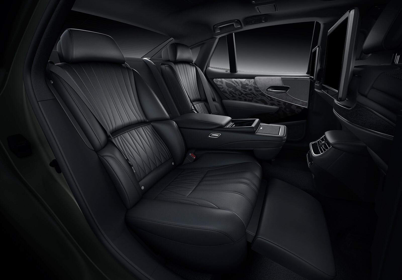 Foto de Lexus LS 500h 2021 (10/14)