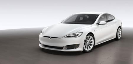 La renovación llega al Tesla Model S, aunque de forma moderada