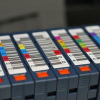 Fujifilm prepara cartuchos de 400 terabytes, con hasta 28 veces más densidad de datos que los actuales