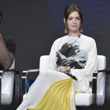 Cara Delevingne y Anne Hathaway lucen impresionantes looks en Beverly Hills con estilos muy diferentes