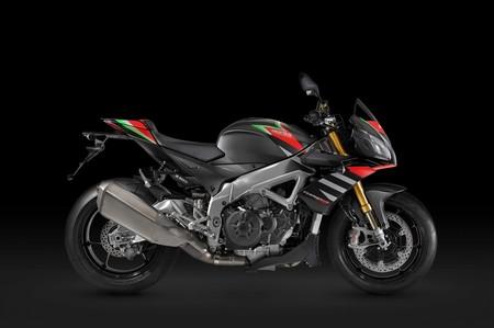 La Aprilia Tuono V4 1100 planta cara a las nuevas maxinaked con mejores suspensiones y más tecnología