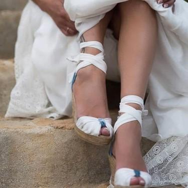 Las novias más bohemias eligen alpargatas para el día de su boda