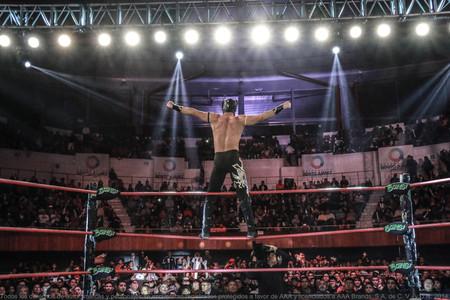"""Lucha Libre es más allá de """"rudos vs técnicos"""": así nació, y evolucionó, el espectáculo deportivo más icónico de México"""