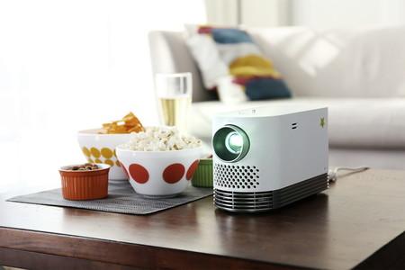 LG presenta su nuevo proyector portátil láser ProBeam con brillo de sobra para lucir en tu salón