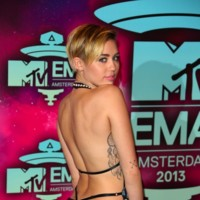 Miley Cyrus y los  MTV Europe Music Awards 2013, un caso digno de ser nombrado aparte
