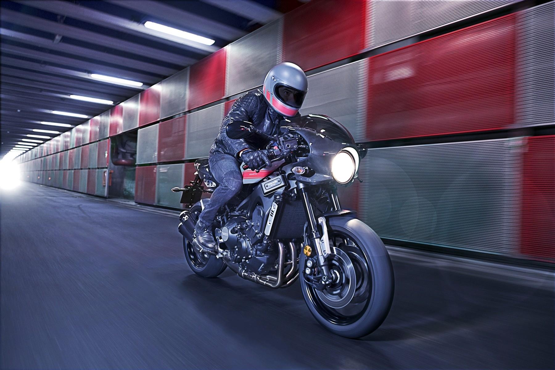 Foto de Yamaha XRS900 Abarth (9/38)