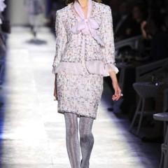 Foto 8 de 61 de la galería chanel-alta-costura-otono-invierno-2012-2013-rosa-gris-brillos-y-nuevo-vintage en Trendencias