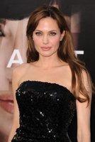 El look de Angelina Jolie en el estreno de Salt