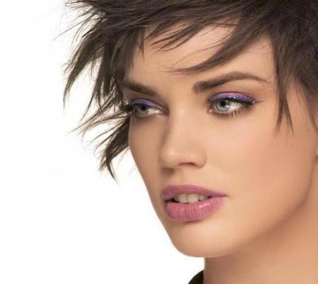Nuevos eyeliners profesionales de Collistar: viva el color y la purpurina