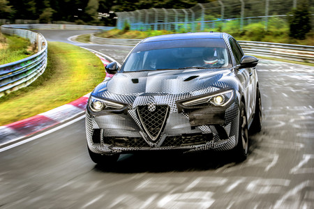 Alfa Romeo Stelvio QV, récord en Nürburgring