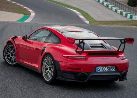 Video: Mira lado a lado las vueltas del Porsche 911 GT2 RS y del Lamborghini Aventador SVJ en Nürburgring
