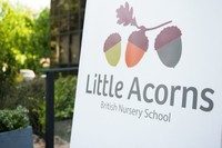 Little Acorns es una escuela británica con profesores nativos que incopora iPads desde los 12 meses de edad