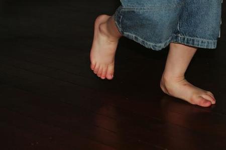 Más lesiones de piernas, tobillos y pies en los niños con obesidad