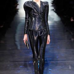 Foto 13 de 16 de la galería armani-prive-alta-costura-primavera-verano-2010-vestidos-de-noche-inspirados-en-la-luna en Trendencias