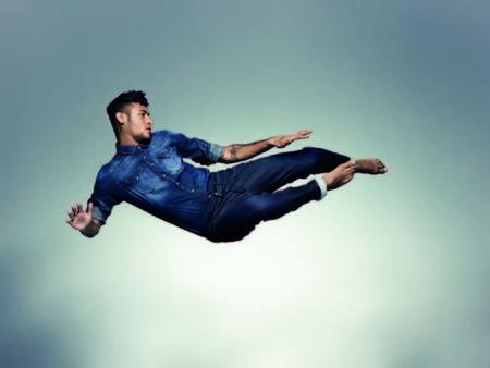 Neymar Jr. también quiere convertirse en un chico de moda y firma italiana Replay le da la oportunidad