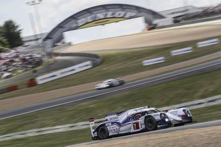 24 horas de Le Mans 2014: Toyota y Porsche luchan por el liderato