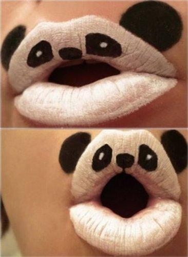 Maquillaje de Halloween: labios panda